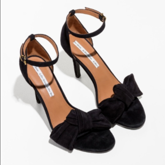 691b1ca1caf  NWT  Black suede bow heels (  Other Stories)